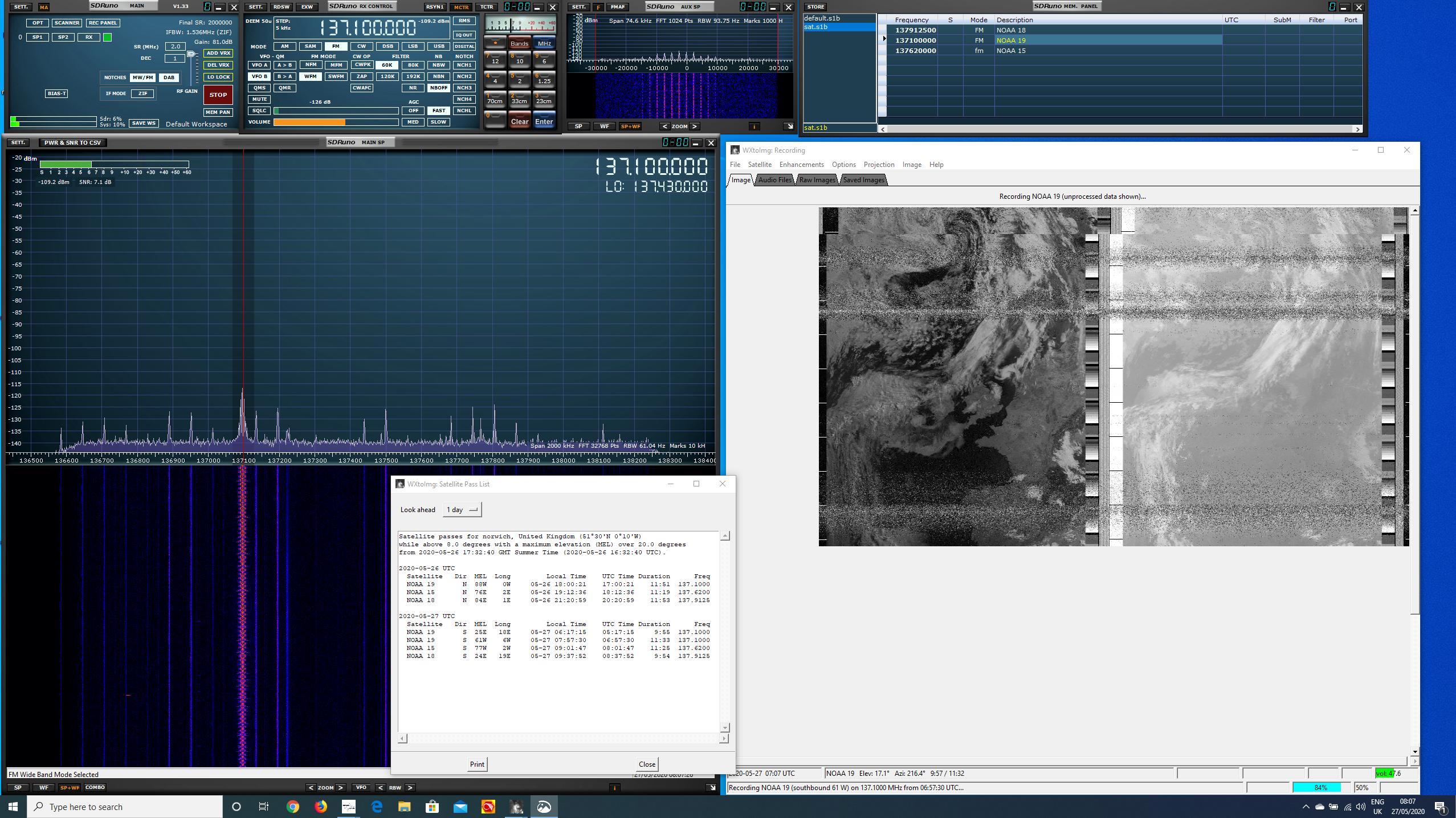 Windows desktop with SDRuno and wxtoimg